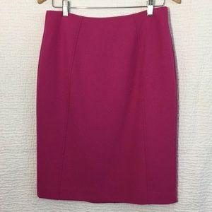 Halogen pencil skirt size 4 in fuchsia pink